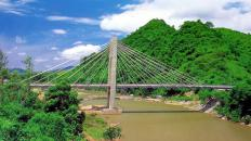 Dakrong-Bridge-1